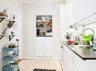 简欧白色小厨房 功能和时尚的结合体