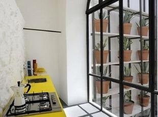 封闭式阳台的厨房设计效果图