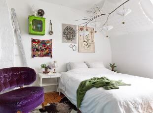 阁楼改造的小资卧室 大方别致