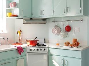 冰雪蓝厨房 明快不紧张的创作环境