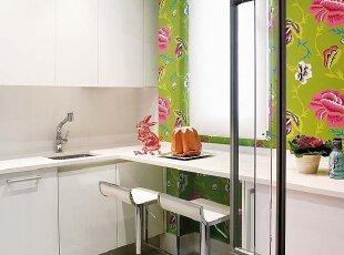 彩绘厨房墙体 艺术火花碰撞
