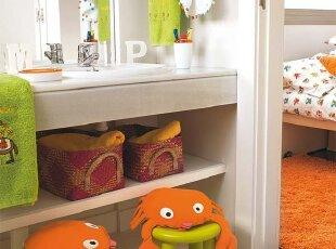 螃蟹横行 儿童卫生间里的可爱玩具