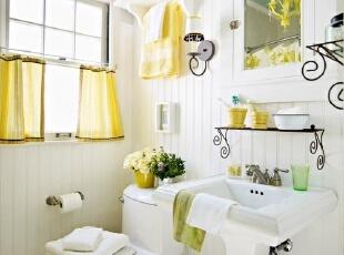 柠檬黄点缀的清新卫生间
