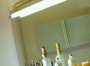 照亮镜子 荧光灯管在整体卫生间里的应用