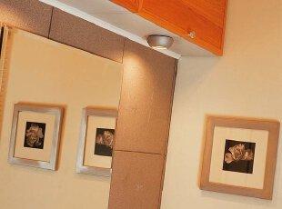 给整体卫生间橱柜安装射灯