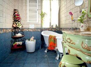 欧式风格蓝绿色搭配的浴室