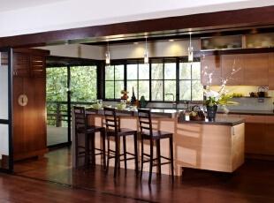 日式风格厨房定制橱柜设计