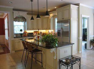 小户型欧式厨房定制橱柜设计