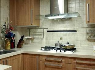 仿古砖利于厨房清洁