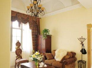 复古欧式小客厅 窗帘定格调