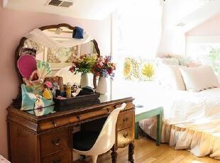 小资阁楼卧室 精致装修设计