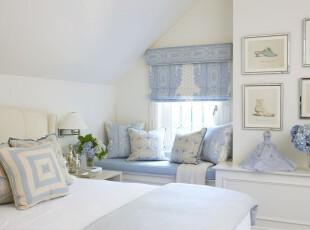 地中海蓝白色阁楼卧室装修设计