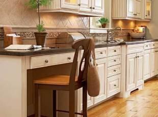 厨房规划阅读角 绿植...