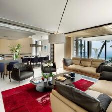 如何用红色地毯装饰家居空间