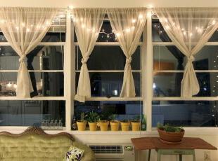 客厅挂置LED装饰灯...