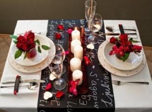 谁说只有红色才能是浪漫烛光晚餐