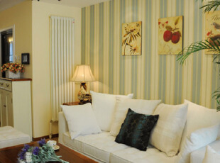 美丽清新的客厅