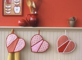 爱心隔热手套 装点厨房情人节布置