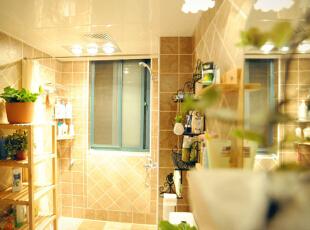 用浴帘进行干湿分区让卫生间视觉空间松弛有度,想宽敞就宽敞。