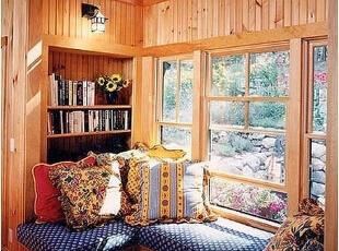 透过窗台投射进屋的温暖