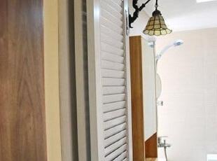 一盏贝壳灯 衬出卫生间地中海式优雅