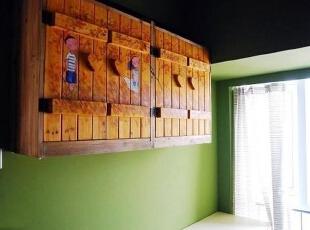 卧室里的童趣储物柜