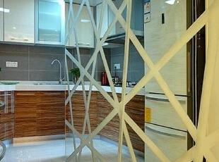 创意镜面墙 提亮厨房