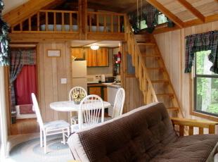 将卧室布置在第二层,即节省了楼下有限的空间,又确保了卧室的私密性,让你有一个个人空间。