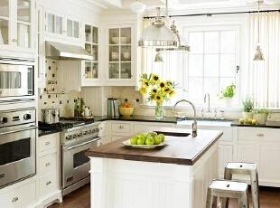 厨房墙面 不仅要美观更要实用