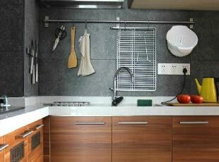 厨房风格宜家为主 收纳井井有条