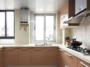 翠拥华庭 126平现代简约三居室