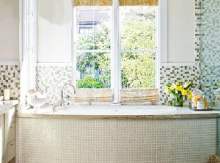 马赛克的拼花墙浴室