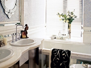 浴室的情调迷离