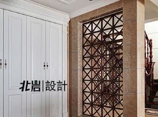餐厅客厅之间用金属镂空隔断,从布局上把空间做到通透,玄关,美式,