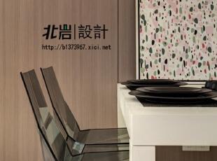 餐椅的材质选择上考虑了整体的风格,餐厅,现代,