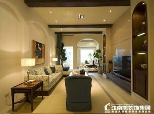 客厅的电视墙旁边做一个柜子,这样可以存放一些主人喜欢的艺术品。,客厅,