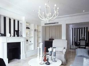 在简约风格的客厅采用壁炉设计,让整个客厅的档次有所提升。,客厅,