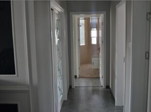 走廊没有复杂的装修,这样看起来比较简洁。,走廊,