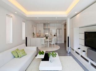 厨房的纯白色与客厅的纯白色交相辉映,形成一体,,宜家风格的简单厨房既能节省空间,有不失格调,不失为是小资夫妇的首选。,餐厅,