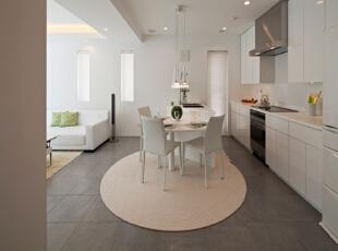 纯色的厨房主色调体现出主人的勤劳和整洁,简单的餐桌,也体现出主人的简单和质朴,紧凑的厨具摆设,伸手可及的厨具和餐具,使用餐很方便。,厨房,