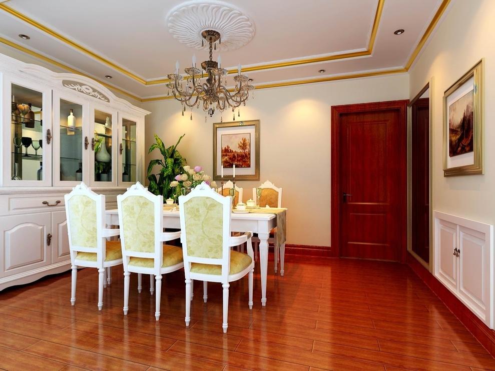 餐厅深色地板,乳白色酒柜餐桌椅,金黄色线条吊顶,整个空间的雍容华贵