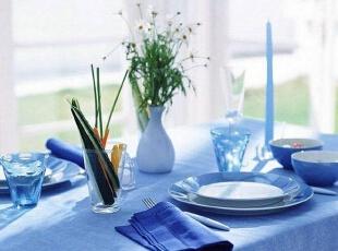蓝色餐桌桌布