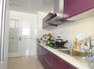 世茂170平米四居现代风格厨房设计