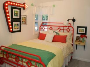 红色中式铁床