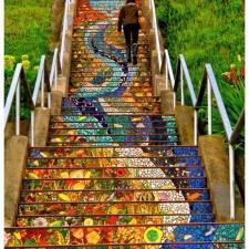 美丽的马赛克楼梯