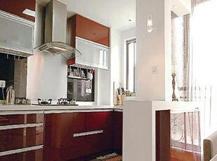 厨房配套很齐全,应有尽有。,85平,10万,现代,两居,厨房,
