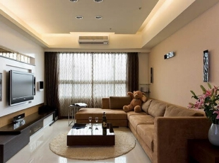 客厅很整齐的搭配,一家人坐在上面看看电视、聊聊天,其乐融融。,138平,16万,现代,四居,客厅,