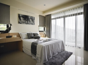白色的床单,清澈的采光,一种清新的气息油然而生。,138平,16万,现代,四居,卧室,