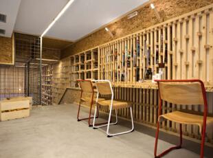 咖啡厅设计装修周不知不觉间也体现除了木质材料的纹理视觉感,带给人们视觉上的享受。,500平,10万,现代,公装,咖啡厅设计,