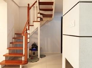 ,104平,12万,欧式,两居,楼梯,玄关,